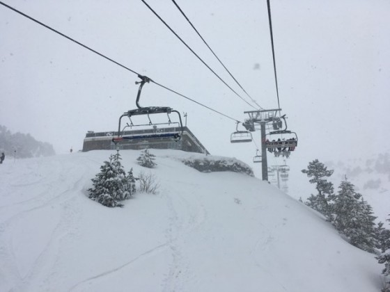Snowfall on the Les Fonts chairlift
