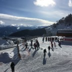 Many skiers came to Arinsal to spend their weekends