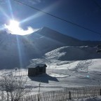 The sun is back in Arinsal but the temperature is very cold, always below zero