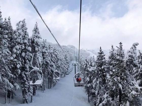 Powder day on La Serra I chairlift