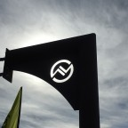 The sun was shining behind the Vallnord logo
