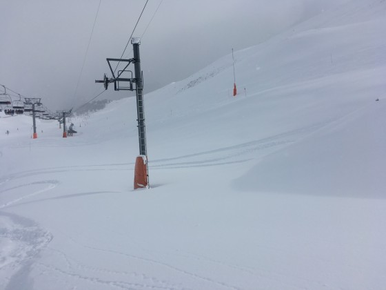 A lot of snow was accumulated under El Coll draglift