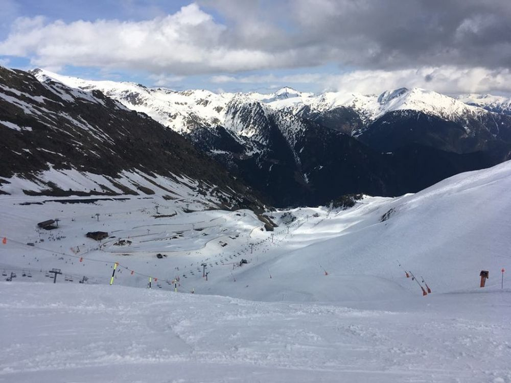 The view of the slopes from the top of La Pala