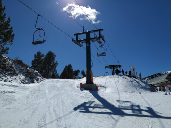 La Serra I chairlift arrives to Pla de la Cot