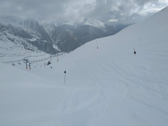 The black run Tub del Coll at the top of Arinsal had lots of powder!