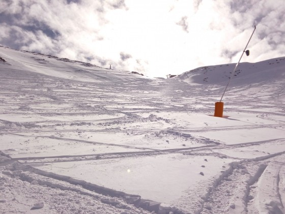 The off-piste next to the red slope La Pala was in great conditions today
