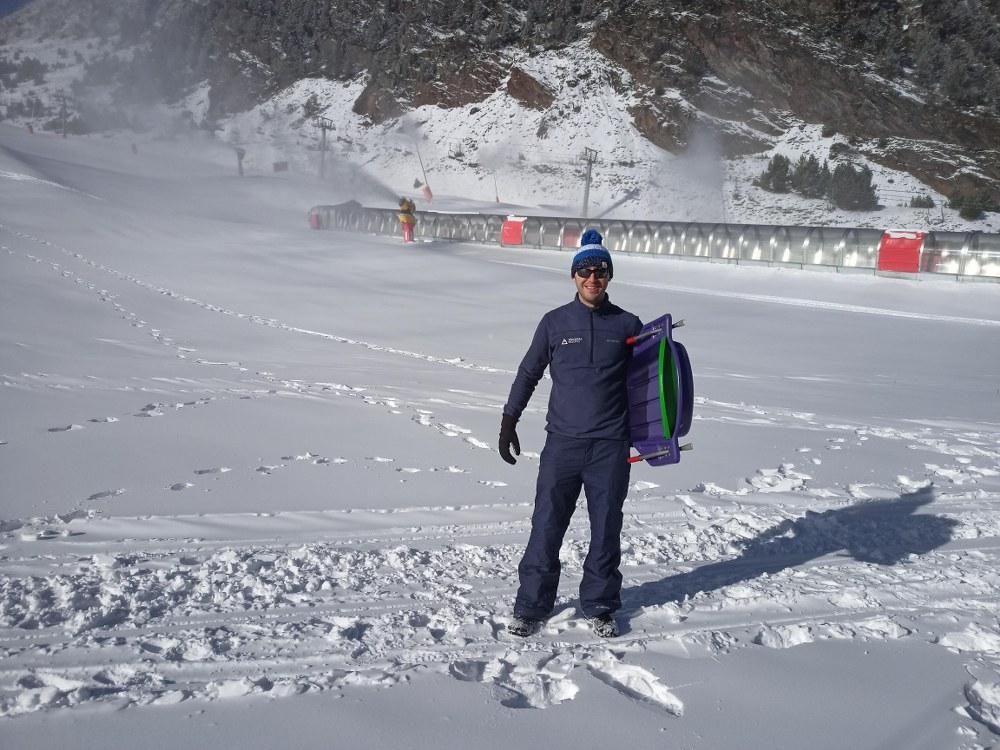 Steve going for a sledge on the slopes of Arinsal