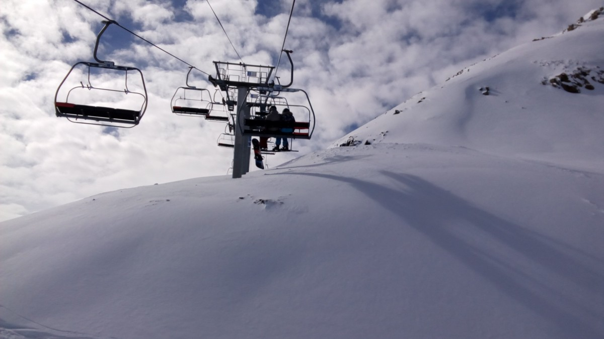 The powder under the chairlift Port Negre still untouched