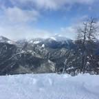 The piste Coll de La Botella has amazing views of the mountains