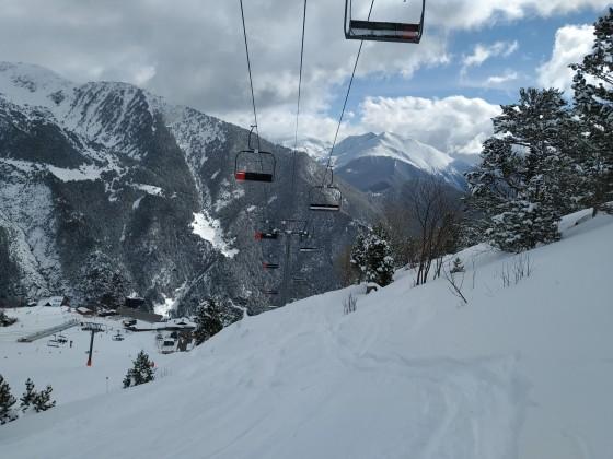 Off piste under La Tossa chairlift