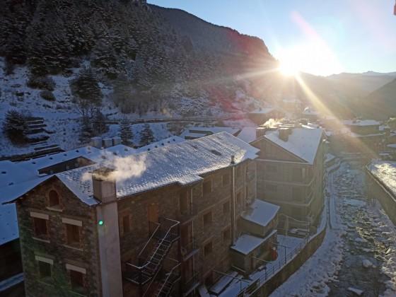 Beautiful morning in Arinsal with a few cm of fresh snow
