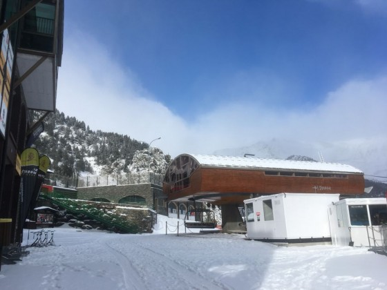 Arinsal from base