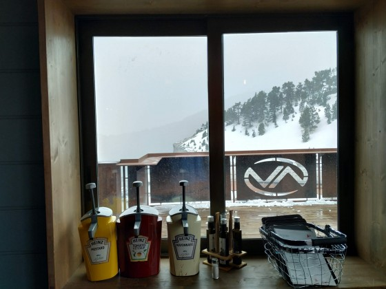 The Vallnord restaurant Terrace, the perfect place to chill on the coldest days