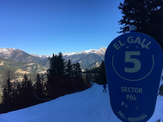 The blue slope El Gall was our favourite of the day