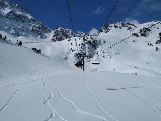 Fresh tracks under La Basera chairlift