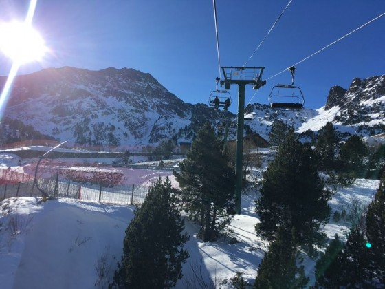 The chairlift La Basera takes you to the highest area of Arcalís